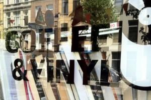 Coffe & Vinyl Café y vinilos - coffeeandvinylantwerpen grp1 xl web 1114 300x200 - Café y vinilos