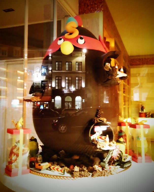 Gallina de Pascua gigante El Arte del Chocolate en Bruselas - Gallina de Pascua gigante - El Arte del Chocolate en Bruselas