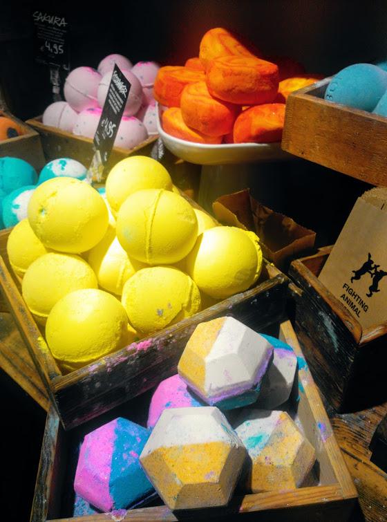 M mate con lush turismo erasmus en amberes belgica for Bombas de bano de lush