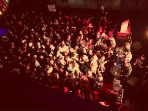 gente-de-fiesta Go MAS[KED] to the MAS - gente de fiesta 300x225 - Go MAS[KED] to the MAS