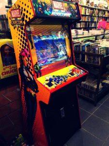 maquina-juegos Un comic de Batman, una varita mágica y… ¡¡100 copias GRATIS!! - maquina juegos 225x300 - Un comic de Batman, una varita mágica y… ¡¡100 copias GRATIS!!