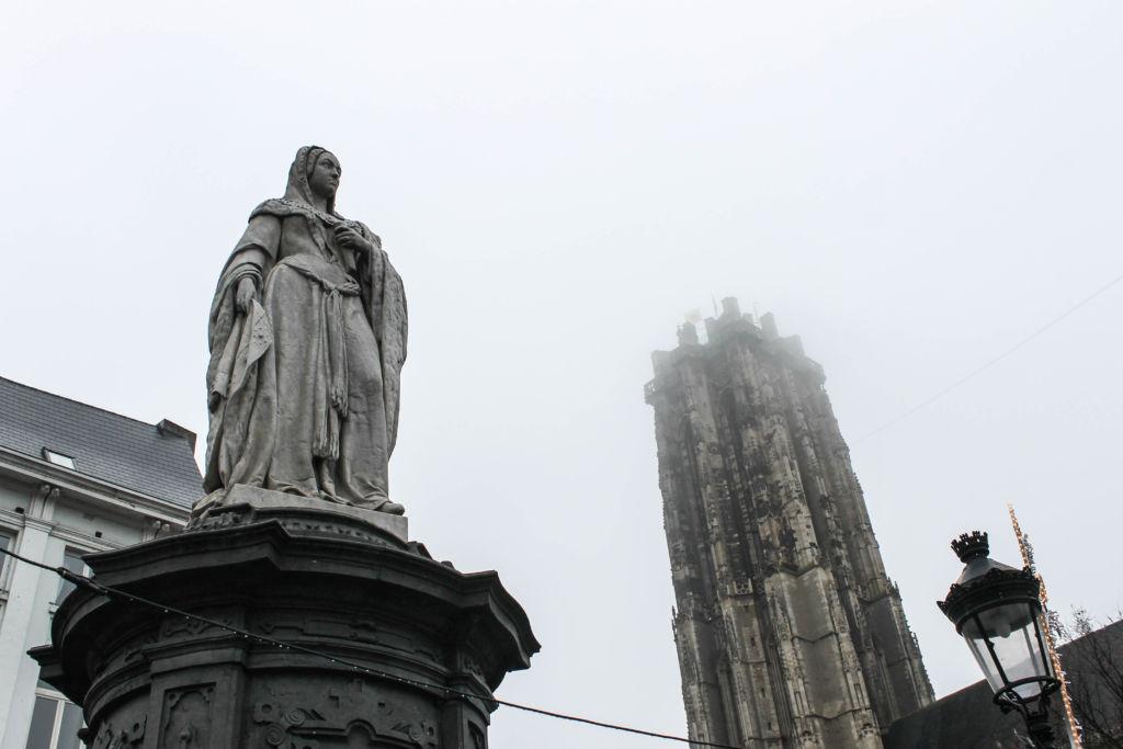 La torre de San Rumoldo, a ritmo de campanas