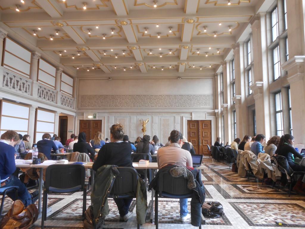 Estudiando en el Grand Hall - Grand Hall 1024x768 - Estudiando en el Grand Hall