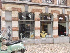 También podemos encontrar galerías  de arte en el barrio
