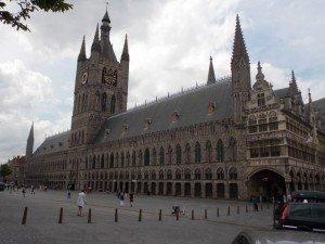 La Grotte Markt de Ypres: preciosa
