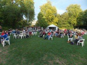 ambiente-Parkpop-2015 Parkpop en Malinas: un pequeño festival dividido por semanas - DSCN6670 300x225 - Parkpop en Malinas: un pequeño festival dividido por semanas