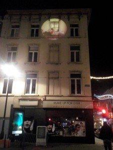 Rue du Lombard El arte urbano desconocido de Bruselas: Las proyecciones - Rue du Lombard 225x300 - El arte urbano desconocido de Bruselas: Las proyecciones