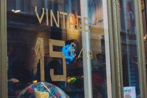Melting Pot Kilo: La tienda de ropa vintage más barata de Bruselas. - melting pot 1 300x200 - Melting Pot Kilo: La tienda de ropa vintage más barata de Bruselas.
