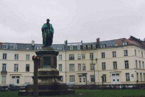 place des barricades-6 Bruselas y Victor Hugo se unen en la Place des Barricades. - place des barricades 6 300x200 - Bruselas y Victor Hugo se unen en la Place des Barricades.