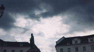 place des barricades-9 Bruselas y Victor Hugo se unen en la Place des Barricades. - place des barricades 9 300x168 - Bruselas y Victor Hugo se unen en la Place des Barricades.