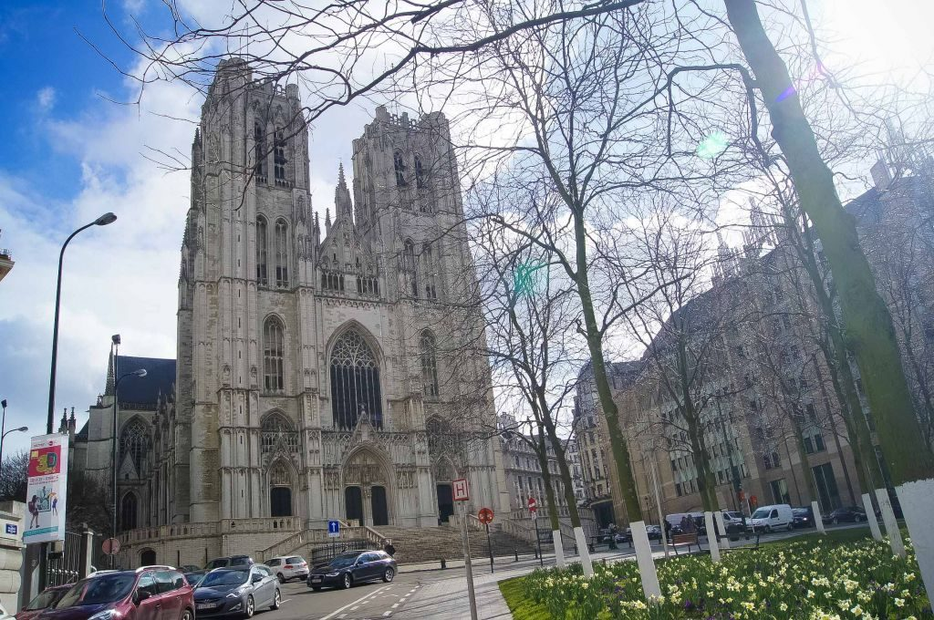 catedral-3 Conociendo un poco más a la catedral de San Miguel y Santa Gúdula de Bruselas. - catedral 3 1024x680 - Conociendo un poco más a la catedral de San Miguel y Santa Gúdula de Bruselas.