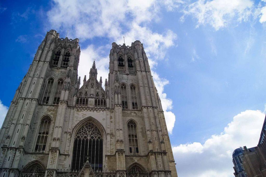 catedral-4 Conociendo un poco más a la catedral de San Miguel y Santa Gúdula de Bruselas. - catedral 4 1024x680 - Conociendo un poco más a la catedral de San Miguel y Santa Gúdula de Bruselas.