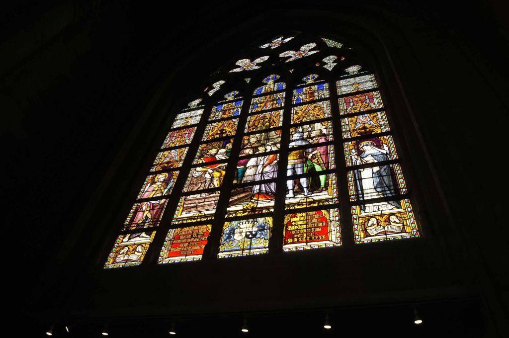 catedral-6 Conociendo un poco más a la catedral de San Miguel y Santa Gúdula de Bruselas. - catedral 6 1024x680 - Conociendo un poco más a la catedral de San Miguel y Santa Gúdula de Bruselas.