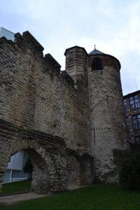 Tour de l'Angle (primera muralla) Ciudades flamencas, ciudades amuralladas - DSC 0200 200x300 - Ciudades flamencas, ciudades amuralladas