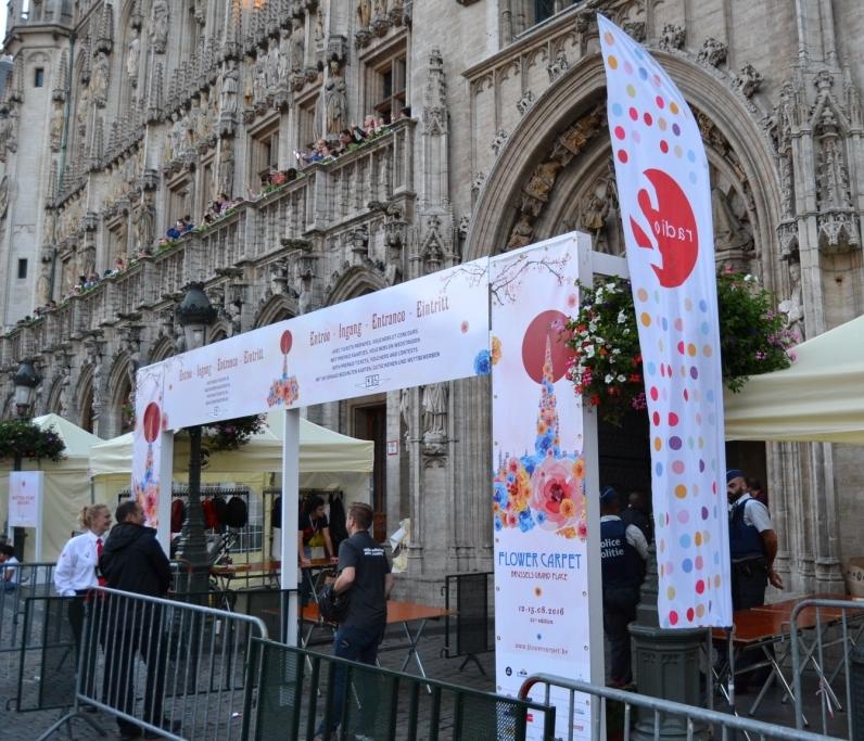 R Las flores cubren la Grand-Place, el tapiz floral bruselense - DSC 0418 - Las flores cubren la Grand-Place, el tapiz floral bruselense