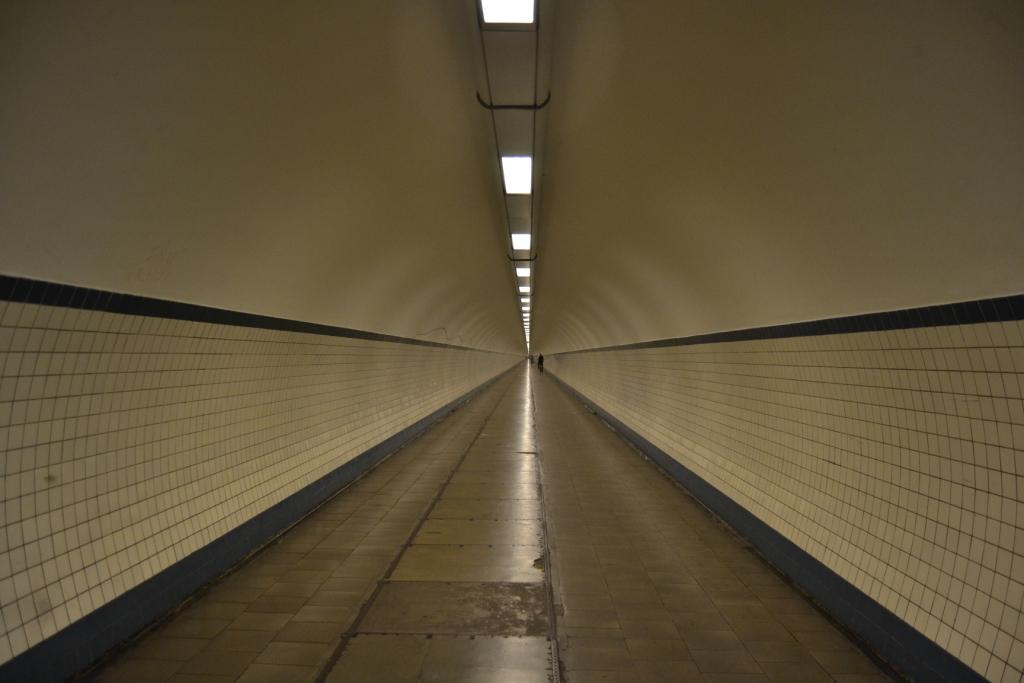 R Paseos veraniegos III: un túnel bajo el río en Amberes - DSC 0699 - Paseos veraniegos III: un túnel bajo el río en Amberes