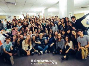 Express, ESN, vida universitaria Erasmus. - Cena internacional ULB Express 300x225 - Express, ESN, vida universitaria Erasmus.