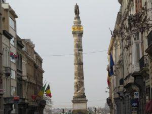 UN PASEO POR LA REVOLUCIÓN BELGA DE 1830 - Columna de place du Congr  s 300x225 - UN PASEO POR LA REVOLUCIÓN BELGA DE 1830