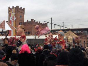 CARNAVAL…¡TE QUIERO! - Parade 4 300x225 - CARNAVAL…¡TE QUIERO!