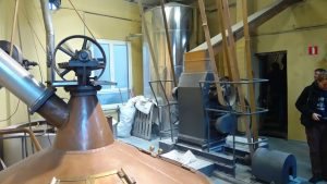 ARTE Y TRADICIÓN CERVECERA EN BRASSERIE CANTILLON - Maquinaria para enfriar la mezcla 300x169 - ARTE Y TRADICIÓN CERVECERA EN BRASSERIE CANTILLON