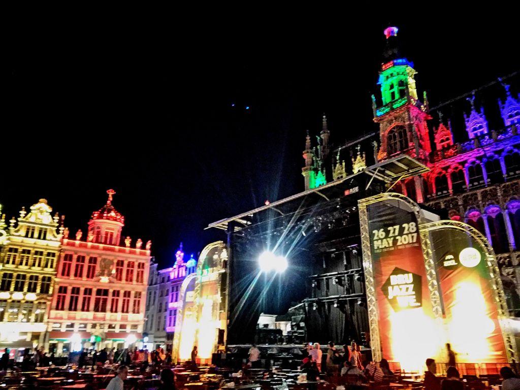 saxos, trompetas y guitarras: llegó el brussels jazz weekend - Brussel Jazz Weekend Grand Place 3 - Saxos, trompetas y guitarras: llegó el Brussels Jazz Weekend