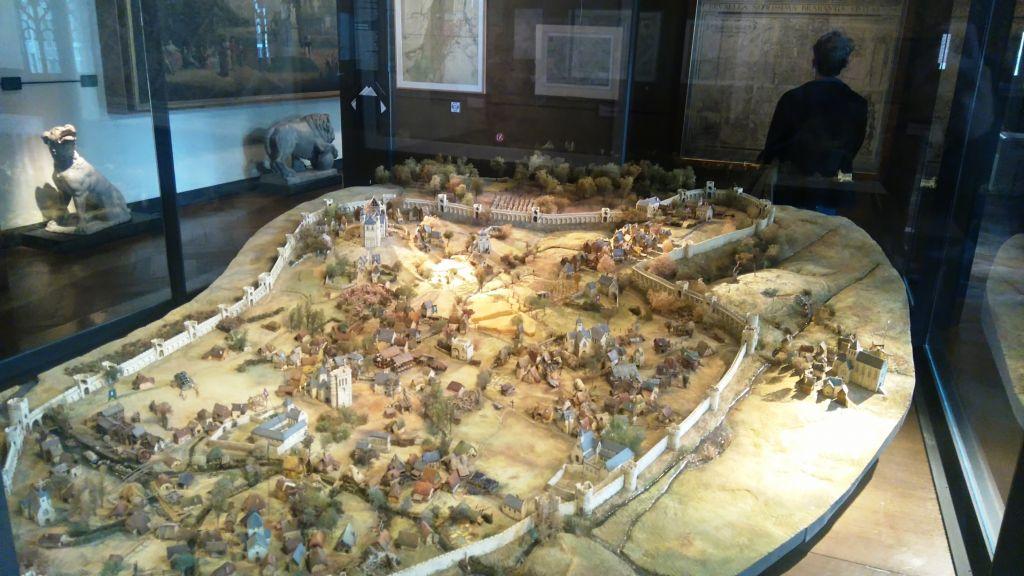 viaje al pasado por los museos de la ville de bruxelles y porte de hal - Maqueta de Bruselas en el siglo XIII - Viaje al pasado por los museos de la ville de Bruxelles y Porte de Hal