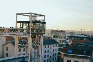 - 6 2 300x200 - El mirador en la plaza de Poelaert