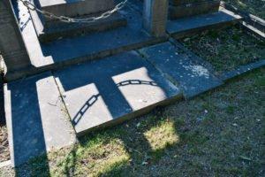 - 7 2 300x200 - Visita al cementerio de Ixelles