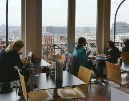 Un café en el museo de los instrumentos musicales cuesta 3 euros