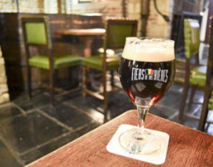 Tener una experiencia en el museo de la Cerveza o del Chocolate
