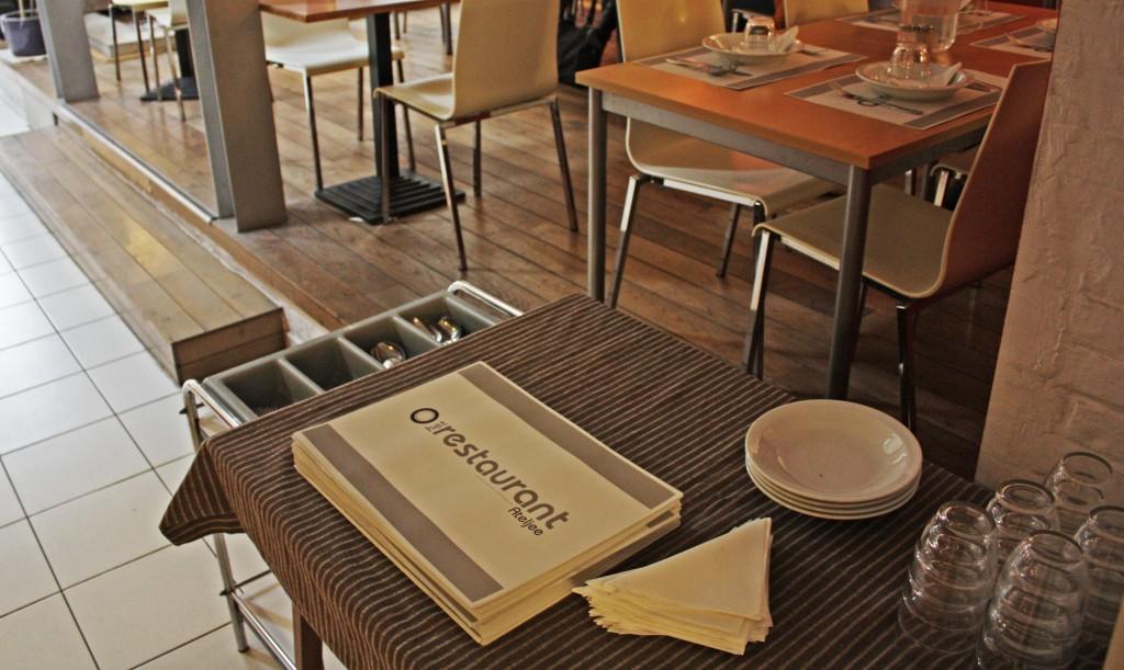 En el restaurante, el menú cambia a diario. Hay platos de 3€, 5€ y 8€, realmente económico.