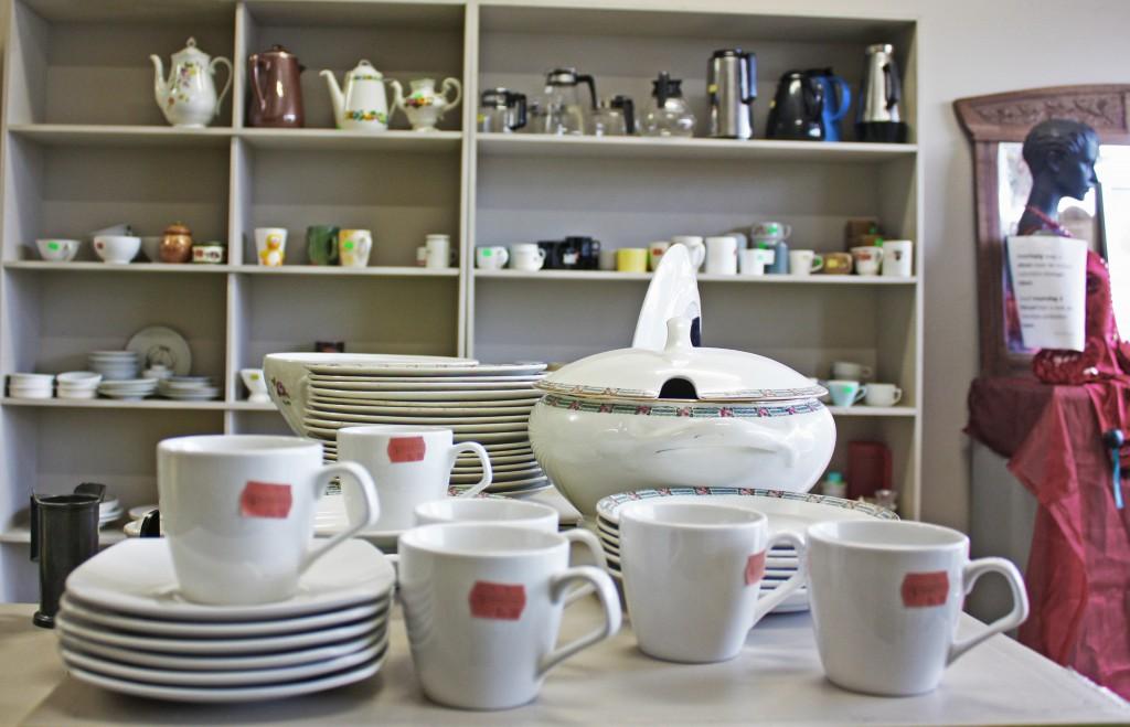 Platos, vasos, tazas, teteras, termos... (En muchos casos) desde 0.50€ la pieza