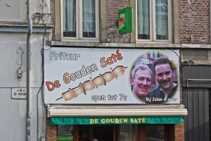 De Gouden Saté, Sint-Pietersplein y Overpoortstraat es una de las frituur más conocida entre los jóvenes