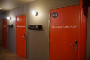 Una antigua redacción periodística convertida en un moderno hostal - DSC03241 300x200 - Una antigua redacción periodística convertida en un moderno hostal