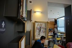 Una antigua redacción periodística convertida en un moderno hostal - DSC03268 300x200 - Una antigua redacción periodística convertida en un moderno hostal