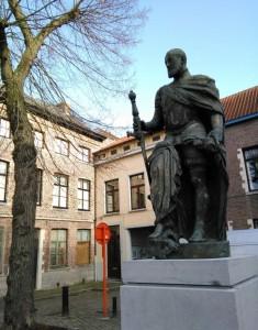 Carlos V Conociendo la cara oculta de Gante - IMG 20160203 115604 235x300 - Conociendo la cara oculta de Gante