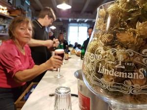 Café Lennik (1) Las mejores cervezas belgas se beben los domingos por la mañana… - Caf   Lennik 1 300x225 - Las mejores cervezas belgas se beben los domingos por la mañana…