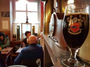 Café Lennik (5) Las mejores cervezas belgas se beben los domingos por la mañana… - Caf   Lennik 5 300x225 - Las mejores cervezas belgas se beben los domingos por la mañana…