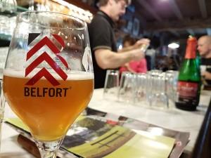 Café Lennik (7) Las mejores cervezas belgas se beben los domingos por la mañana… - Caf   Lennik 7 300x225 - Las mejores cervezas belgas se beben los domingos por la mañana…