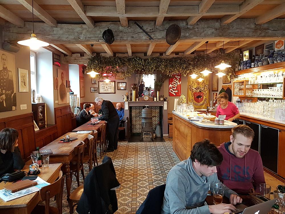 Erasmus Pedir Caf