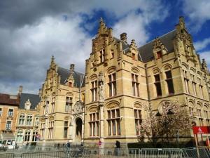 Ypres (2) Ypres, una ciudad nueva con siglos de historia - Ypres 2 300x225 - Ypres, una ciudad nueva con siglos de historia