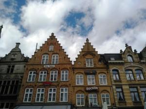 Ypres (3) Ypres, una ciudad nueva con siglos de historia - Ypres 3 300x225 - Ypres, una ciudad nueva con siglos de historia
