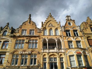 Ypres (5) Ypres, una ciudad nueva con siglos de historia - Ypres 5 300x225 - Ypres, una ciudad nueva con siglos de historia