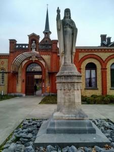 Dr_opt (10) El manicomio más antiguo de Bélgica convertido en museo - Dr opt 10 1 225x300 - El manicomio más antiguo de Bélgica convertido en museo