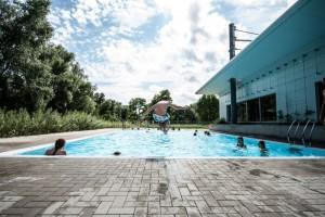 Parque acuático Gante (2) Olas, toboganes y mucho agua en S&R Rozebroeken - Parque acu  tico Gante 2 300x200 - Olas, toboganes y mucho agua en S&R Rozebroeken