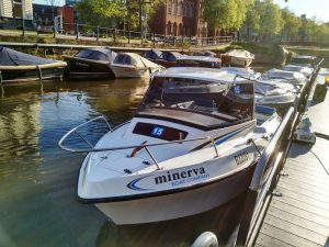 IMG_20160501_192153_opt ¡Navega tu propio barco en Gante! - IMG 20160501 192153 opt 300x225 - ¡Navega tu propio barco en Gante!