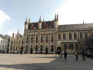 stadhuis_opt Brujas, ciudad de ensueño - stadhuis opt 300x225 - Brujas, ciudad de ensueño