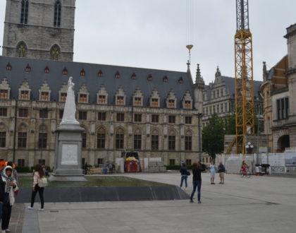 """La plaza de """"Sint-Baafsplein"""""""