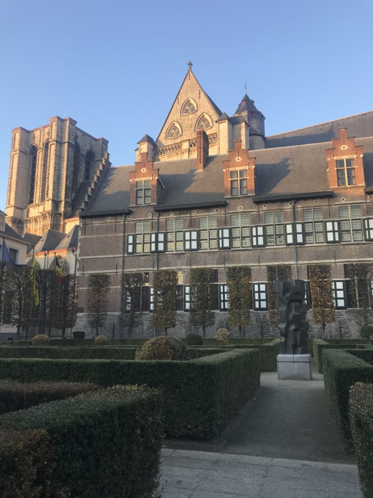 Het Pand: de monasterio dominicano a centro de congresos
