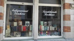 anticuario Un anticuario entre restaurantes: Libros de segunda mano en Muntsraat - anticuario 300x168 - Un anticuario entre restaurantes: Libros de segunda mano en Muntsraat